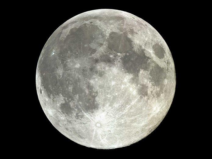 Luna, in orbita la sonda che esplorerà un nuovo settore