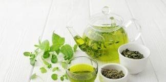 Longevità, bere tè 3 volte a settimana allunga la vita e fa bene al cuore