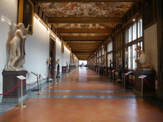 Tornano le aperture by night agli Uffizi