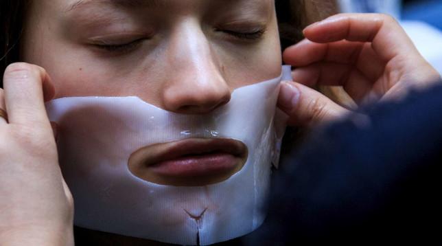 Realtà virtuale, pronta la pelle sintetica che trasmette il tatto a distanza