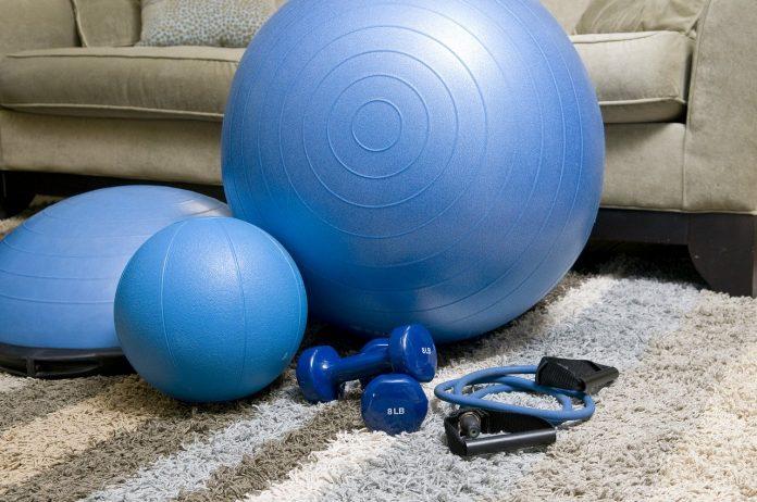 Home Workout: il decalogo per prevenire e curare gli infortuni casalinghi