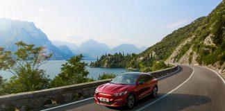 """Con """"over-the-air"""", gli aggiornamenti di Ford Mustang Mach-E possono avvenire anche da casa"""