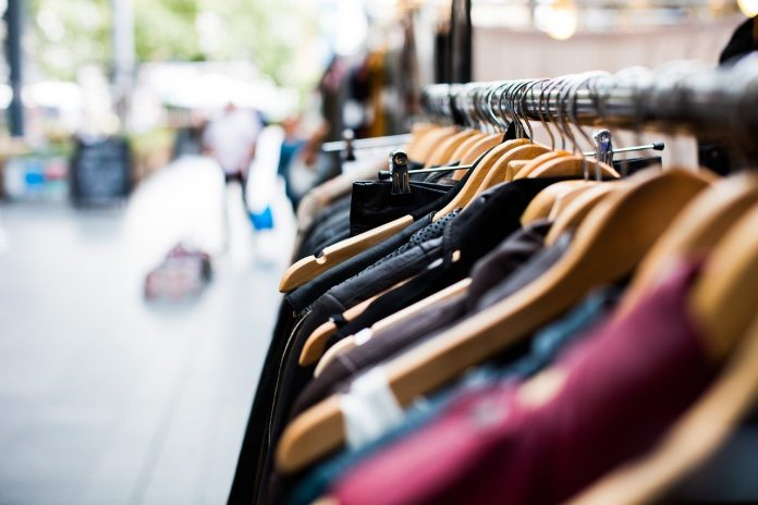 Gli italiani riscoprono i piccoli negozi